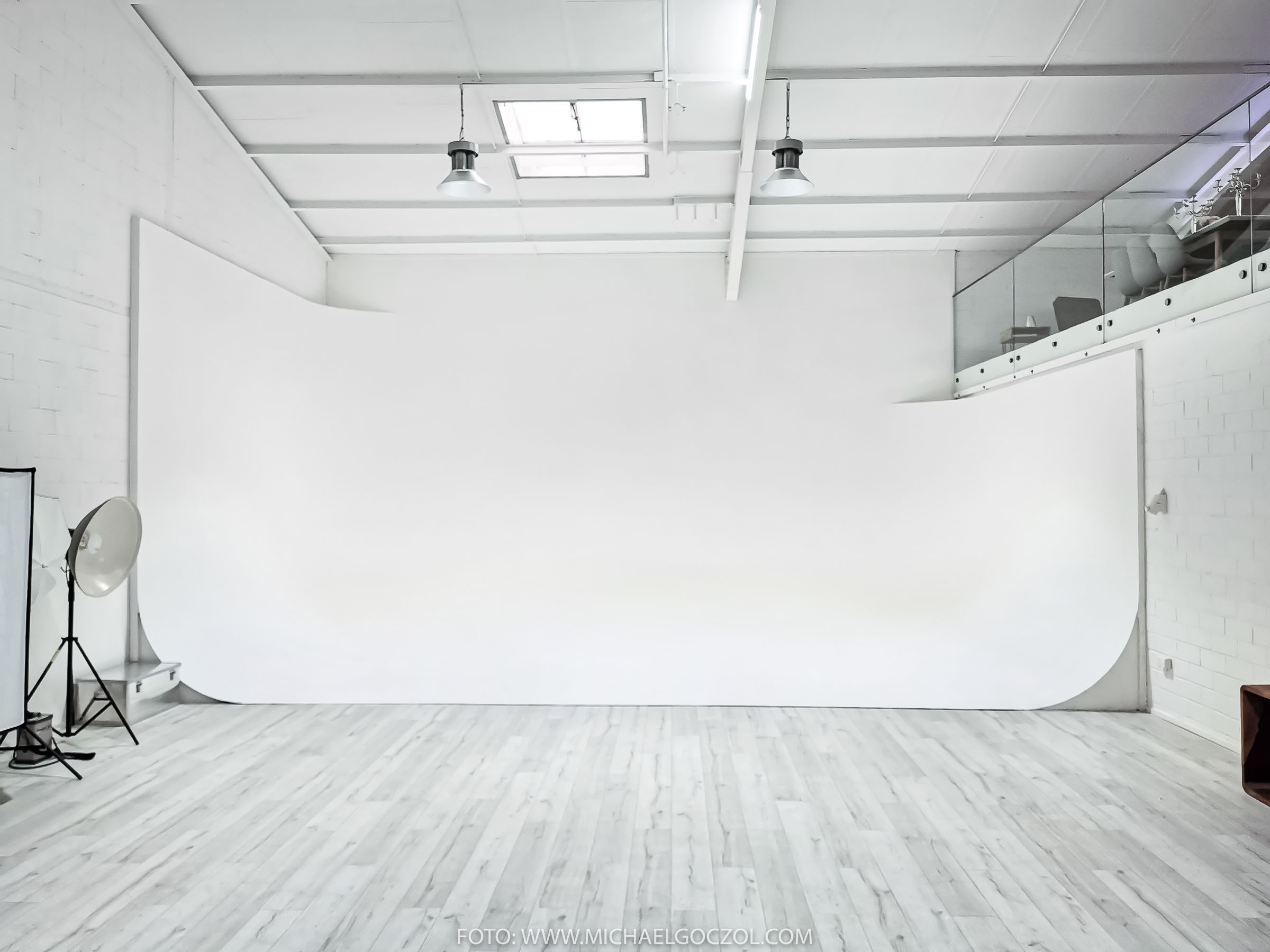 RoofOneStudio Mietstudio Fotostudio Eventlocation Loft Industrieloft Studio Frankfurt am main Oberursel 1
